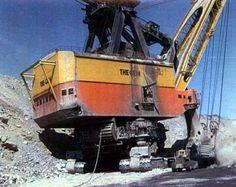 gem of egypt Mining Equipment, Heavy Equipment, Bucyrus Erie, Heavy Machinery, Coal Mining, Cadiz, Military Equipment, Old Ones, Cool Trucks