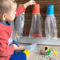 Who goes there with a small child coming on a school vacation? 😫 I have been researching some Montessori jokes to do at home with Heitor and Toddler Learning Activities, Montessori Activities, Baby Learning, Infant Activities, Educational Activities, Activities For Kids, Montessori Kindergarten, Montessori Books, Baby Sensory Play