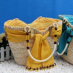 borse fai da te   Leggi l'articolo: Borse da spiaggia fai da te, idee e consigli per un ... Lace Bag, Diy Sac, Diy Purse, Craft Bags, Jute Bags, Basket Bag, Types Of Bag, Handmade Bags, Mini Bag