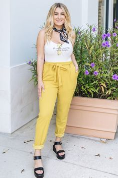 Trendy & affordable women's boutique shopping at The Copper Closet. Mustard Yellow Outfit, Yellow Outfits, Casual Outfits, Ladies Boutique, Boutique Clothing, Fashion Boutique, Shopping Shopping, Online Shopping, Fashion Fall