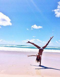beach hand stand