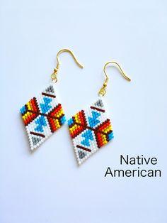 Beaded Earrings Native, Beaded Earrings Patterns, Native Beadwork, Earrings Handmade, Bracelet Patterns, Native Beading Patterns, Bead Loom Patterns, Native American Earrings, Native American Beadwork
