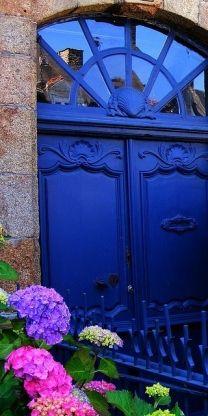 #blue door