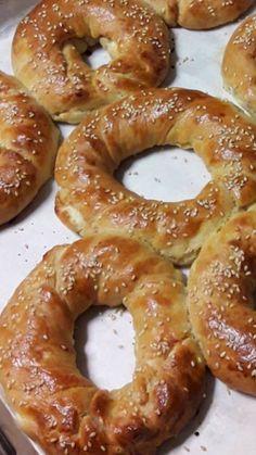 Jelly Slice, Greek Cookies, Greek Pastries, Bakery Menu, Bread Cake, Onion Rings, Greek Recipes, Doughnut, Brunch