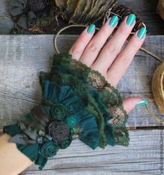 "Купить Текстильный бохо-браслет "" Forest moss"" – б… Comprar Pulsera textil boho ""Forest musgo"" – pulsera, pulsera boho, pulsera textil Fabric Bracelets, Lace Bracelet, Fabric Jewelry, Cuff Bracelets, Sleeves Designs For Dresses, Sleeve Designs, Steampunk Costume, Steampunk Clothing, Fabric Fish"
