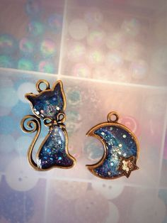 NOTE:  Inspiration in Combining Wire w/ Resin<3