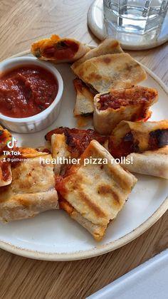 Fun Baking Recipes, Vegan Recipes, Cooking Recipes, Snacks Recipes, Think Food, Love Food, Easy Snacks, Healthy Snacks, Healthy Pizza