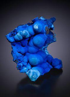 Azurite after Malachite. Minerals And Gemstones, Crystals Minerals, Rocks And Minerals, Stones And Crystals, Modern Sculpture, Sculpture Art, Sculptures, Rose Croix, Yves Klein Blue