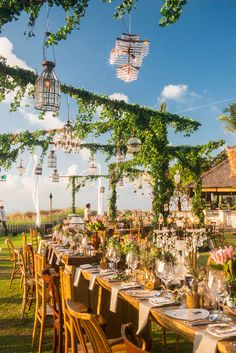 View more at bridestory httpbridestorytea rose wedding yellow and brown outdoor wedding project by stephan kotas photography httpwww junglespirit Gallery