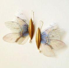 Fairy Dream earrings by Derya Aksoy High Jewelry, Cute Jewelry, Jewelry Art, Contemporary Jewellery, Modern Jewelry, Ideas Joyería, Insect Jewelry, Butterfly Necklace, Jewelery