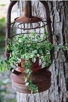 Vintage garden design is a growing trend for outdoor living spaces. We present you vintage garden decor ideas for your garden improvement. Garden Yard Ideas, Garden Crafts, Garden Projects, Garden Landscaping, Garden Decorations, Patio Ideas, Outdoor Ideas, Garden Junk, Rustic Landscaping