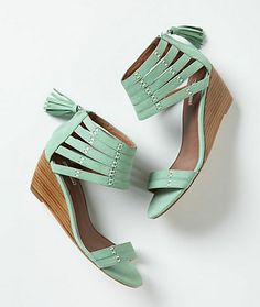 Go Buy Now: Spring Sandals | theglitterguide.com