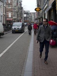 Enjoying one of my favorite streets in town, Haarlemmerdijk/Haarlemmerstraat, on a nice Spring day...