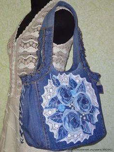 A lot of jeans bag ideas- Очень много идей сумок из джинса A lot of jeans bag ideas - Denim Handbags, Denim Tote Bags, Denim Purse, Artisanats Denim, Trash To Couture, Jean Purses, Diy Bags Purses, Denim Ideas, Denim Crafts