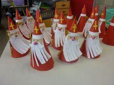 Risultati immagini per bricolage st nicolas Theme Noel, New Years Decorations, Saint Nicholas, Catholic Saints, Reno, Christmas Art, Diy For Kids, Crafts For Kids, School