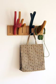 Barcelona-based architecture and design studio 5LAB, founded by Roberto Paparcone and Iñigo Gómez, creates modular and flexible objects like this cool coat rack consisting of different sizes and shaped horns and antlers.
