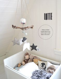 Children's room - Quick fix: Personalized mobile - Via La Petite Magazine Baby Bedroom, Baby Boy Rooms, Nursery Room, Kids Bedroom, Nursery Decor, Room Baby, Kids Rooms, Deco Kids, Baby Zimmer