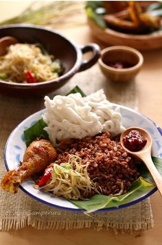 NASI RAMES (Indonesian humble dish) - Traditional Fried Chicken, Sauted BeanSprout, Kerupuk, Sambal, Served with brown rice | V.Samperuru #IndonesianCulinary.