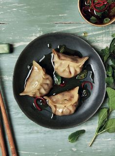 Mongolian Lamb and Mint Dumplings. Loretta Liu's cookbook Modern Dim Sum shares a selection of dishes served at Chinese yum cha restaurants, making it simple to enjoy this delicious food at home. Lamb Recipes, Wine Recipes, Asian Recipes, Ethnic Recipes, Asian Foods, Dumpling Dipping Sauce, Dumpling Filling, Dipping Sauces, New Zealand Food