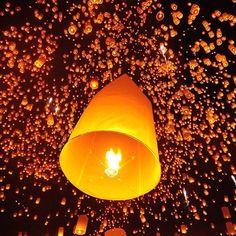 Celebrating Loi Krathong (ลอยกระทง) and Yi Peng (ยี่เป็ง) 2013  #LoiKrathong #Thailand