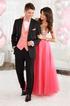 Match your date for prom without worrying about sweat marks! See how here...