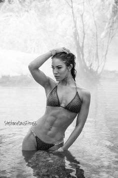 Female Form #StrongIsBeautiful #Motivation #WomenLift2 Stephanie Davis