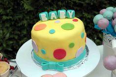 Babytorte bei einer Baby Shower Party