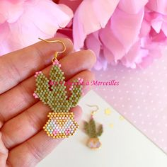 Boucles d'oreilles Cactus en perles Miyuki Beaded Earrings Patterns, Beaded Brooch, Beading Patterns, Seed Bead Jewelry, Seed Bead Earrings, Beaded Jewelry, Craft Accessories, Bead Embroidery Jewelry, Native American Beading