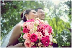 Bride bouquet on fiusha and pink