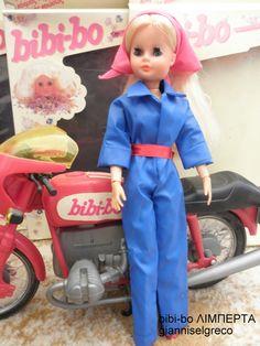 Το 1981 και το 1982 κυκλοφόρησε το ημερολόγιο της bibi-bo. Το μήνα Σεπτέμβριο  η… Childhood Toys, Childhood Memories, Vintage Dolls, Vintage Ads, Funny Ads, Oldies But Goodies, Barbie Collection, Retro Toys, Old Toys