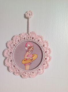 Cadre au crochet fille rose avec ou sans image : Décoration pour enfants par tanatanapa