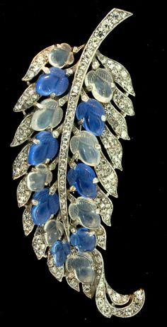 Vintage Philippe TRIFARI Glass Chalcedony Moonstone Fruit Salad Rhinestone LEAF Figural Fur Clip Brooch Pin