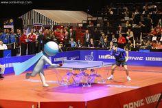Pour les championnats du monde de tennis de table, Super Yonis a démontré ses talents de pongiste. Yonis-Shop.com