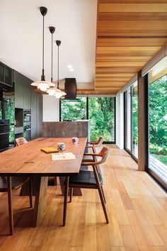 Japanese style design ideas help you with that Japanese Interior Design, Interior Design Kitchen, Japanese Design, Interior Exterior, Interior Architecture, Decoration Design, Japanese House, Glass House, Home And Living