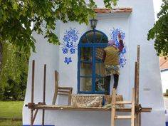 We know that this is a seriously difficult weeks, but now everyone stay calm down! Everyone should embrace a teknőnyi blue paint, find a piece of white paint from the wall and it stuck with simplicity, beauty, and truth! :) ... is just like Alana Babušníkovánk, once a beloved, Kašpárková, sometime, somewhere in the Czech Republic