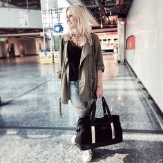 Wonderful @modelovers spotted at the airport with the @windandvibes_official MILAN Rosegold  #windandvibes #MyTripMyStyle