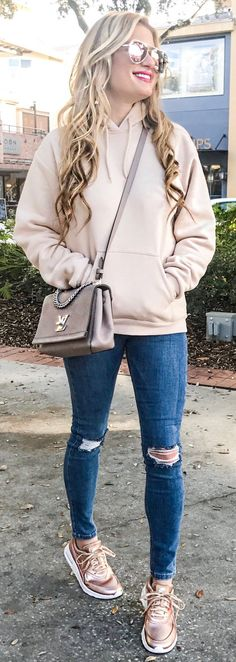 #winter #fashion /  Light Pink Sweater / Grey Shoulder Bag / Ripped Skinny Jeans / Bronze Sneakers