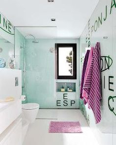 This amazing kid's space is a dream of any teenager! Designed by Susanna Cots's interior design studio, the place is divided into three areas: twin bedroom Bad Inspiration, Bathroom Inspiration, Bathroom Ideas, Small Bathroom Colors, White Bathroom Cabinets, Beach Bathrooms, Seaside Bathroom, Luxury Bathrooms, Luxury Girl