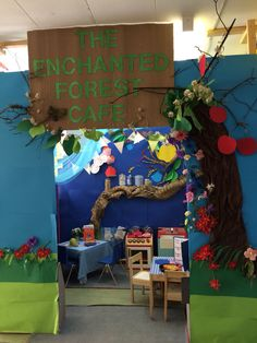 The enchanted forest cafe fairytales role play area- all the characters can come for lunch! Cafe Role Play Area, Role Play Areas, Enchanted Forest Book, Enchanted Wood, Dramatic Play Area, Dramatic Play Centers, Classroom Displays, Classroom Themes, Forest Classroom