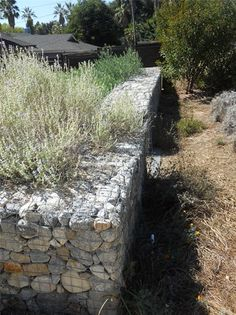 Retaining Wall With All Natural Stone Modern Landscaping Landscaping Network Calimesa, CA