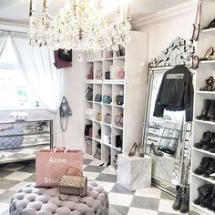 Closet dressing room Informations About 35 Top Amazing Glam Room Decoration Ideas Pin You can easily Wardrobe Room, Closet Bedroom, Bedroom Decor, Glam Closet, Spare Room Closet, Closet Mirror, Wardrobe Sale, Bedroom Table, Luxury Closet