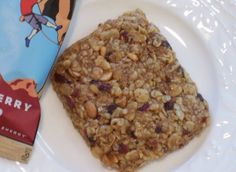 Homemade Cliff Bars (no bake) This is great because the real ones can be a tad bit expensive.
