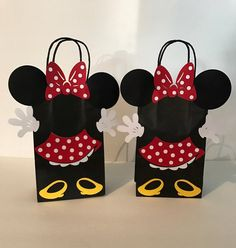 Listing is for 1 Minnie Mouse party bag. If you need more just add in the quantity section. *You can pick a red or pink dress for Minnie, if nothing is picked the red dress with be sent Bag Size: x OTHER ITEMS AVAILABLE – 2nd Birthday Party Themes, Mickey Mouse Birthday, Minnie Mouse Party, Happy Birthday Banners, Party Favor Bags, Birthday Party Favors, Goody Bags, Minnie Mouse Template, Minnie Mouse Decorations