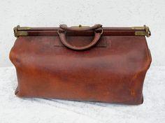 Antike Arzttasche XXL Leder Arzt Doktorkoffer Hebammentasche ca.1920 in Antiquitäten & Kunst, Alte Berufe, Arzt & Apotheker | eBay