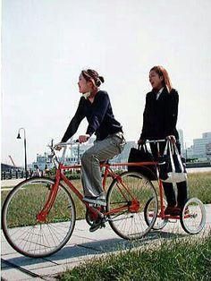 Poor mans Segway 😎 Bike trailer for standing passengers Cool Bicycles, Cool Bikes, Tandem, Velo Cargo, Dynamo, Velo Vintage, Microcar, Bike Trailer, Fat Bike