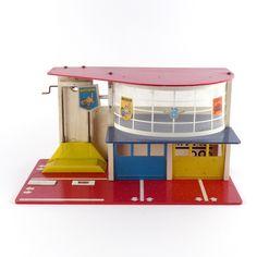 Vintage Boys, Retro Vintage, Toy Garage, Childhood Days, Googie, Classic Toys, Car Wash, Garages, Toys For Boys