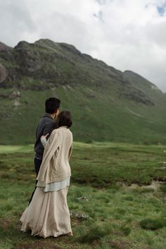 Next to You | Overseas Pre Wedding | Glencoe | Scotland | Quiet | Nature | Soft | Natural | Hills | Countryside | Green | Intimate | http://brideandbreakfast.hk/2016/11/28/next-to-you/
