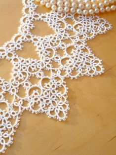 Shuttle Tatting Patterns, Tatting Lace, Macrame, Collars, My Design, Embroidery, Knitting, Inspiration, Diy And Crafts