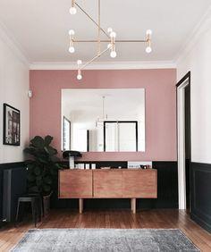 painting Walls Black - Visite privée chez Claudia et Dan. Pastel Room, Pink Room, Cafe Interior, Room Interior, Interior Design, Black Painted Walls, Black Rooms, Shop Interiors, Bedroom Decor