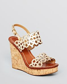 aeff3b3a3032 371 best Shoes Always Fit images on Pinterest